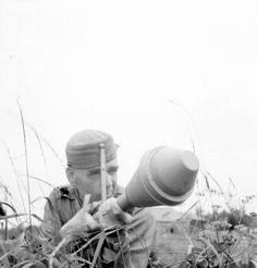 Finnish soldier in position with a German Panzerfaust. Winter War 1940