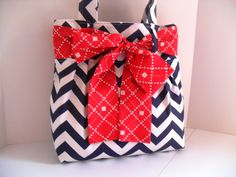 Handbag Made of Blue and White Chevron Fabric. This is so precious....would love it in black chevron with a red bow :-)