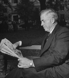 Former Vice President and Secretary of Commerce Henry A. Wallace reads the comics, 1946.  Read more: http://life.time.com/culture/in-praise-of-classic-comics-and-comic-strips/#ixzz2W7oubtwj