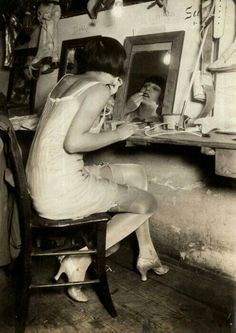 Show Must Go On, Behind The Scenes, The Roaring 1920s