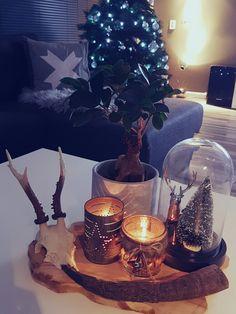 kerst in huis, kerstboom en kerstdeco