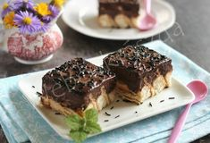 Piskótás pudingos kekszkocka Biscuit Pudding, Tiramisu, Biscuits, Ethnic Recipes, Food, Cube, Kitchens, Crack Crackers, Cookies