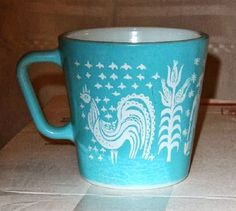 Pyrex - Butterprint in Turquoise. Pyrex - Butterprint in Turquoise. Vintage Bowls, Vintage Kitchenware, Vintage Dishes, Vintage Glassware, Vintage Love, Vintage Items, Vintage Pyrex, Vintage Coffee Cups, Vintage Planters
