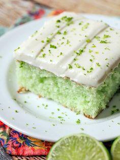 Spritziger Limetten-Blechkuchen