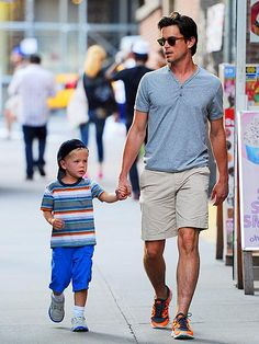 Is there anything hotter than a good dad? Check out Matt Bomer. Swoon. http://www.people.com/people/gallery/0,,20620772,00.html#