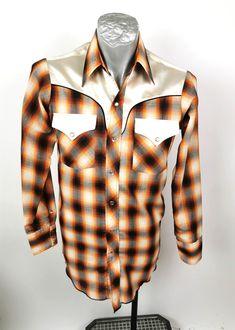 Johnny West Mens Shirt MWG Western Pointed S Tails Orange Plaid Retro 70s Long Sleeve #timetravel #mensshirt #westorange #westernshirt Xl Shirt, Shirt Sale, Shirt Sleeves, 70s Shirts, Retro Shirts, Mens Sleeve, Orange Shirt, Vintage Outfits, Vintage Clothing
