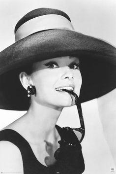 Poster AVELA ah glasses Audrey Hepburn Klassiker Film 61 x 91,5 cm(Beauty People Vintage)
