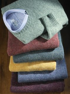 ) Shetland Isles to find the weaver and knitter of the authentic Shetland sweaters you see here. Formal Men Outfit, Casual Outfits, Boy Fashion, Mens Fashion, Fashion Outfits, Polo Shirt Outfits, Ivy League Style, Ivy Style, Spring Fashion Trends