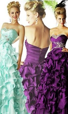 I want to have a Princess party just so i can dress-up in this!