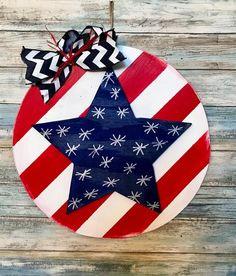 of July Door Hanger - Flag Door hanger- Summer Door Hanger - USA Sign - of July Sign - of July Wreath - Memorial Day - free ship Fourth Of July, 4th Of July Wreath, Gay Pride, Memorial Day, Flag Signs, Wooden Decor, Wooden Crafts, Spring Door, Rustic Doors