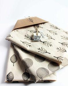 Fabric Painting, Fabric Art, Fabric Design, Handmade Stamps, Handmade Art, Hand Printed Fabric, Printing On Fabric, Stamp Printing, Screen Printing