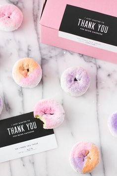 Ombre donuts in pink and purple! Wow!  #ombreweddings #donuts