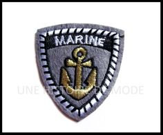 patch marin - UNE HISTOIRE DE MODE Porsche Logo, Heart Ring, Diy, Patches, T Shirts, Coat Of Arms, Sewing, Embroidery, Accessories