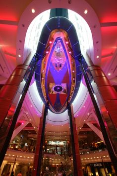 Oasis of the Seas - The Rising Tides Bar