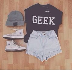 12. Geek - 29 Chic Fall #Outfits for Teens ... → #Fashion #Sweater
