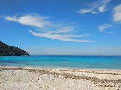 Ai Giannis #beach  #now ! Amazing #paradisebeach for #surfers and not only...! . . #happeningnow #instaphoto #instapic #nofilter #travel #instatravel #islandlife #visitlefkada #visitGreece #lefkada