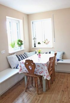easy diy breakfast nook ikea hack for the home pinterest breakfast nook ikea ikea hack. Black Bedroom Furniture Sets. Home Design Ideas