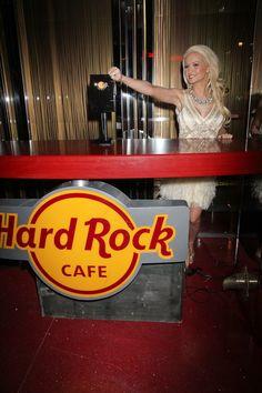 Holly Madison lights up Hard Rock Cafe