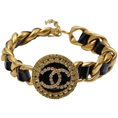 Pre-owned Chanel Massive CC Choker Necklace With Rhinestones '90s (5,605 CAD) ❤ liked on Polyvore featuring jewelry, necklaces, chanel, choker necklaces, adjustable necklace, rhinestone chain necklace, chain choker necklaces, yellow jewelry and rhinestone