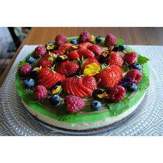 #leivojakoristele #hyydytehaaste Kiitos @missu_87 Strawberry, Fruit, Instagram, Food, Eten, Strawberry Fruit, Strawberries, Meals, Diet
