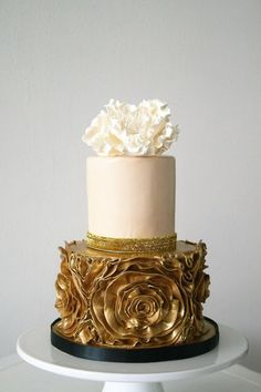 Featured Cake: The Cocoa Cakery; Two tier gold and blush wedding cake idea. Metallic Wedding Cakes, Blush Wedding Cakes, Small Wedding Cakes, Beautiful Wedding Cakes, Gorgeous Cakes, Wedding Cake Designs, Pretty Cakes, Amazing Cakes, Cake Wedding