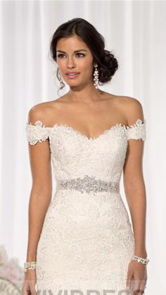 Detachable Straps With Off The Shoulder Liqued Tulle Dropped Stap Attached This Look Can Be Custom Made To Compliment Your Strapless Gown On E