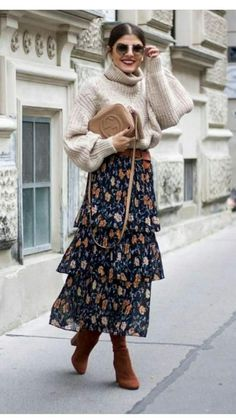 Moda Vintage Casual Fall Ideas For 2019 Moda Vintage, Vintage Mode, Vintage Style, Vintage Skirt, Look Fashion, Trendy Fashion, Winter Fashion, Vintage Fashion, Fashion Trends