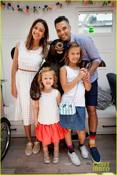 Jessica Alba & Kids Support Cash Warren at Pair of Thieves Event