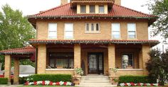 American Foursquare w/ Carport (pic only)- nice roof tile too. Craftsman Style Bungalow, Craftsman Bungalows, Craftsman House Plans, Craftsman Porch, Craftsman Decor, Bungalow Homes, Square House Plans, Four Square Homes, Brick Cladding