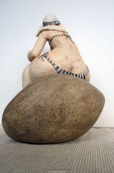"""Striped jersey"" - Véronique Didierlaurent - Art - Skulpturen - Art World Ceramic Figures, Ceramic Art, Sculpture Metal, Clay Sculptures, Organic Ceramics, Plus Size Art, Fat Art, Plastic Art, Paperclay"