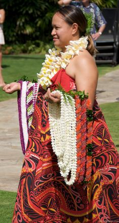 A Hawaiian culture expert by the name of Lopaka was on hand to tell about the significance of the lei in Hawaiian culture. We learned that the lei has much deeper meanings than what appears to the eye.  Originally posted at: A Hawaiian lei represents more than meets the eye http://www.govisithawaii.com/2013/05/01/symbols-of-hawaiian-lei/#ixzz2S3ooR2fR
