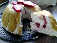 Postre mascarpone y fresas - Zuccotto con fresas - Zuccotto alle fragole - Zuccotto sponge cake with liqueur-soaked vanilla