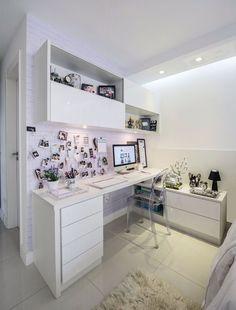 You won't mind getting work done with a home office like one of these. See these 20 inspiring photos for the best decorating and office design ideas for your home office, office furniture, home office ideas Home Office Design, Home Office Decor, House Design, Home Decor, Office Ideas, Zen Design, Interior Office, Studio Interior, Office Designs