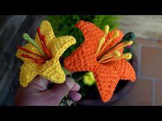 Crochet Bib, Crochet Instructions, Amazing Flowers, Crochet Flowers, Elsa, Diy And Crafts, Lily, Stitch, Christmas Ornaments