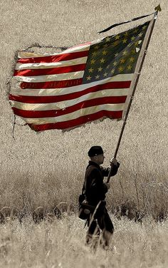 We honor the fallen on Memorial Day which began with the grieving families during the Civil War. Here is Old Glory - American Flag - USA American Pride, American Civil War, American History, American Flag Waving, American Soldiers, I Love America, God Bless America, Foto Picture, Independance Day