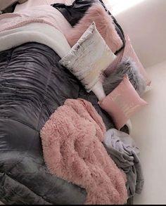 15 Stylish Dorm Room Ideas And Decor Essentials For Girls Cute Bedroom Ideas, Cute Room Decor, Teen Room Decor, Room Ideas Bedroom, Small Room Bedroom, Bedroom Decor, Bed Room, Teen Bedroom Colors, Girl Bathroom Decor