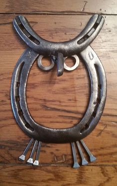 Horseshoe Owl by TwistedMetalsForkArt on Etsy
