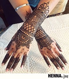 As a finalist in our annual mehndi contest, this super talented artist brings us amazing designs! Indian Henna Designs, Mehndi Designs For Girls, Mehndi Designs For Beginners, Henna Designs Easy, Beautiful Henna Designs, Best Mehndi Designs, Henna Tattoo Designs, Mehandi Designs, Henna Tattoos