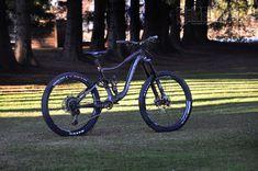 "Knolly Warden Carbon ""black star"" custom - custom bike by www.bikeinsel.com #Knolly #WardenCarbon #bikeinsel #SramEagle #Foxracingshox #Ibis Carbon Black, Black Star, Custom Bikes, Bicycle, Stars, Bike, Bicycle Kick, Custom Motorcycles, Bicycles"