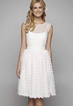 Welches Kleid fürs Standesamt? Die schönsten Brautkleider für jeden Stil