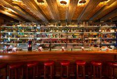 Die Widder Bar ist wie das ganze Haus - Sie finden nichts Vergleichbares. Diese einzigartige Bar ist ein Ort für Persönlichkeiten und Absinthe Liebhaber.  www.greenvelvet.ch Hotel Food, Bars For Home, Crafts, Decor, Aries, Places, Haus, Dekoration, Manualidades