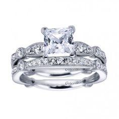 #Vintage Engagement Ring & Wedding Band | #beautiful #wedding #diamonds