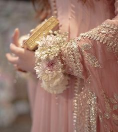Stylish Dresses For Girls, Frocks For Girls, Stylish Dress Designs, Nice Dresses, Pakistani Formal Dresses, Pakistani Fashion Party Wear, Pakistani Bridal Wear, Bridal Lehenga, Fancy Wedding Dresses