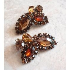 Weiss Topaz Clips Earrings Orange Brown Gold Ear Climbers Vintage... ($25) via Polyvore featuring jewelry, earrings, gold brown earrings, vintage earrings, orange topaz earrings, gold earrings and gold clip on earrings