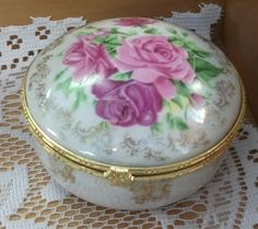 The scent of flowers. Spring Is Here, Spring Colors, Trinket Boxes, Flowers, Home Decor, Homemade Home Decor, Royal Icing Flowers, Flower, Decoration Home