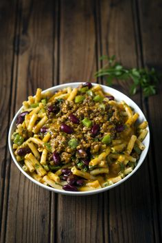 Curried Mince & Bean Pasta: who could resist this delicious bowl of comfort on a chilly night? Pasta And Mince Recipes, Easy Pasta Recipes, Easy Dinner Recipes, Meat Recipes, Recipies, Quick Meals To Make, Easy Meals, Curry Pasta, Curry Recipes
