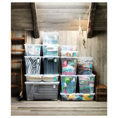 SAMLA Box IKEA Suitable for storing seasonal clothing and shoes, sports equipment, gardening supplies or laundry accessories. Ikea Storage Bins, Extra Storage Space, Storage Boxes, Storage Spaces, Attic Storage, Storage Ideas, Ikea Samla, Ikea Portugal, Bricolage