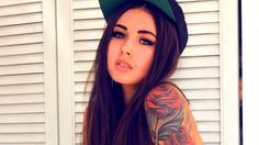 Beautiful girl wearing a cap, swag.