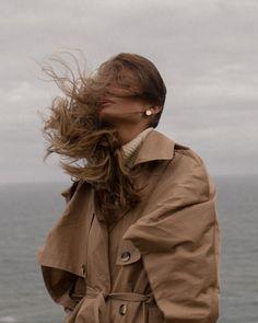 Wind in her hair — Namelazz - Travel Photography Paris Photoshoot, Photoshoot Ideas, Labo Photo, Urbane Fotografie, Glamour Vintage, Portrait Photography, Fashion Photography, Travel Photography, Dramatic Photography