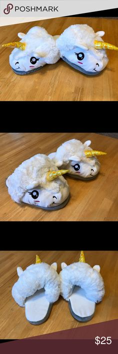 💥JUST IN 〰🦄Unicorn Slippers NWOTS. How fun are these?🦄 Soft foam bottoms. Fits 7/8. Shoes Slippers